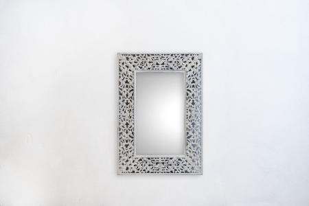 M001-lily-mirror-large